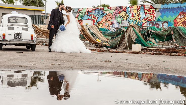 Gli sposi.. #love #amore #flowers #fiori #blu  #marriage #wedding #fun #kiss #bacio #car #moments #photo #momenti #reportagedamatrimonio #monicapallonifotografa