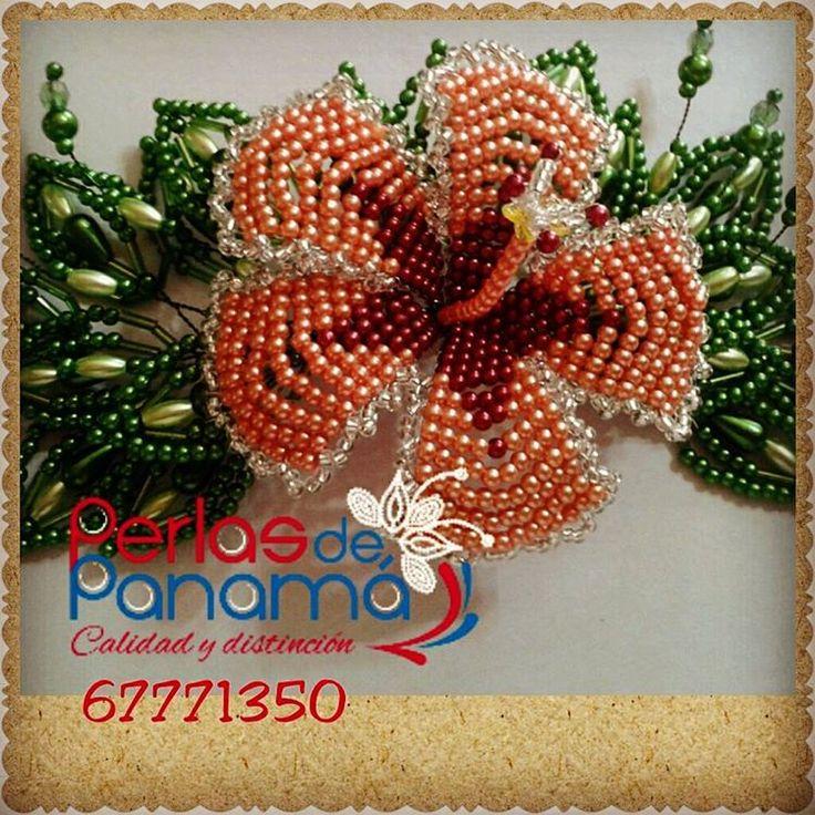Flor de #Papo #Hibiscus, en técnica de #tembleque con follaje. Pide el tuyo al 67771350 #tipico #tradicionalpanameño #folcklore #hechoamano #handmade #coclé #penonomé #panama