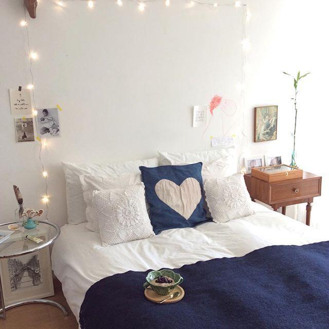 Comfy simplicity! #bed #smallspaces #heart❤️ #anossamorada #eileengray #queridomudeiacamamasaindafaltamudarmaiscoisas