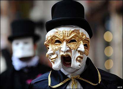 venice carnival costumes | Costumed participants in the Venice Carnival