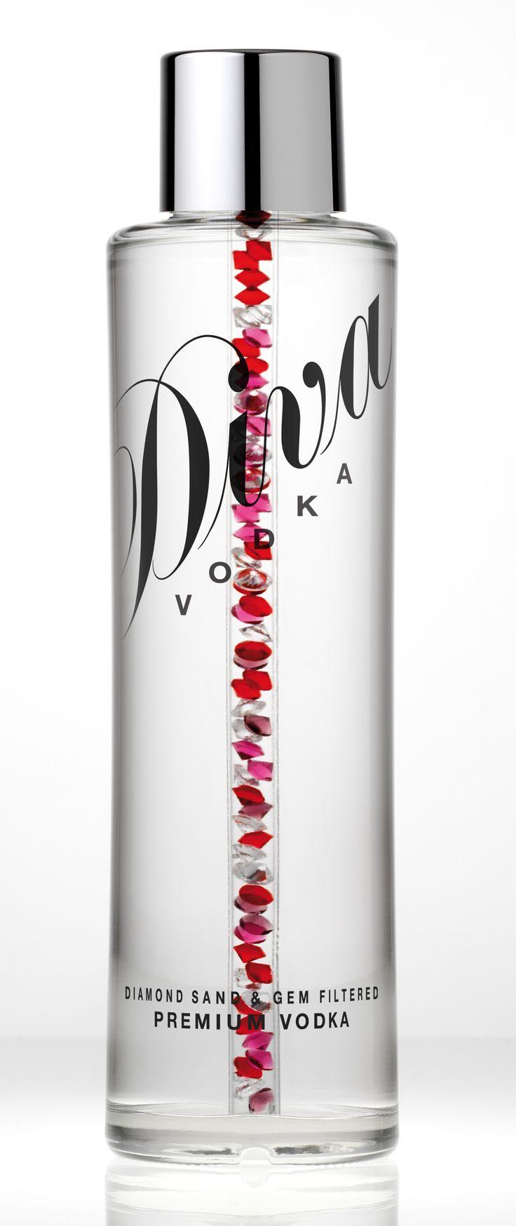 Vodka filtrada em joias com filete de joias preciosas