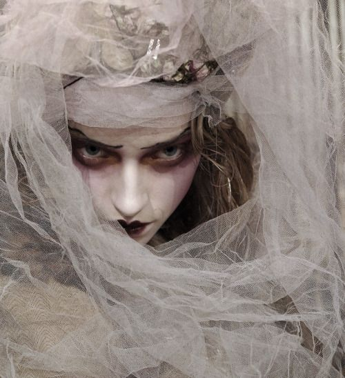 "idreamofaworldofcouture: "" Marcelina Sowa at John Galliano Autumn/Winter 2007 """