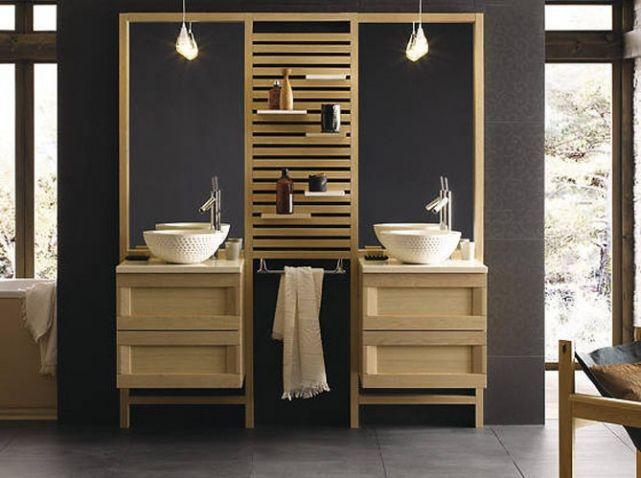 Mettez des meubles en bois dans votre salle de bain pour augmenter la zénitude des lieux