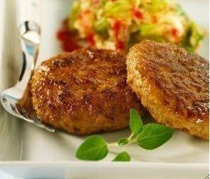 Las hamburguesas de zanahorias con guarnición es otra opción sana que invita a que el paladar pruebe de todo. No es cuestión de comer siempre hamburguesas de ternera, de pollo, de espinacas, de p