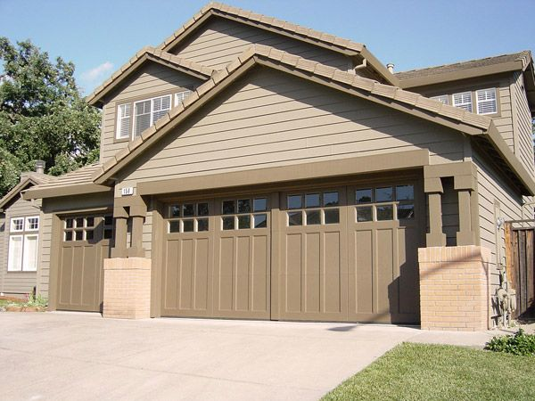 Clopay coachman collection carriage house garage doors for Garage door colors