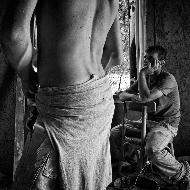 """Panayotis Kasimis is a professional photographer and photography teacher based in Athens, Greece. His work has been published in two books: """"Days Away"""" and """"Urban Diaries"""" and noumerous magazines."""