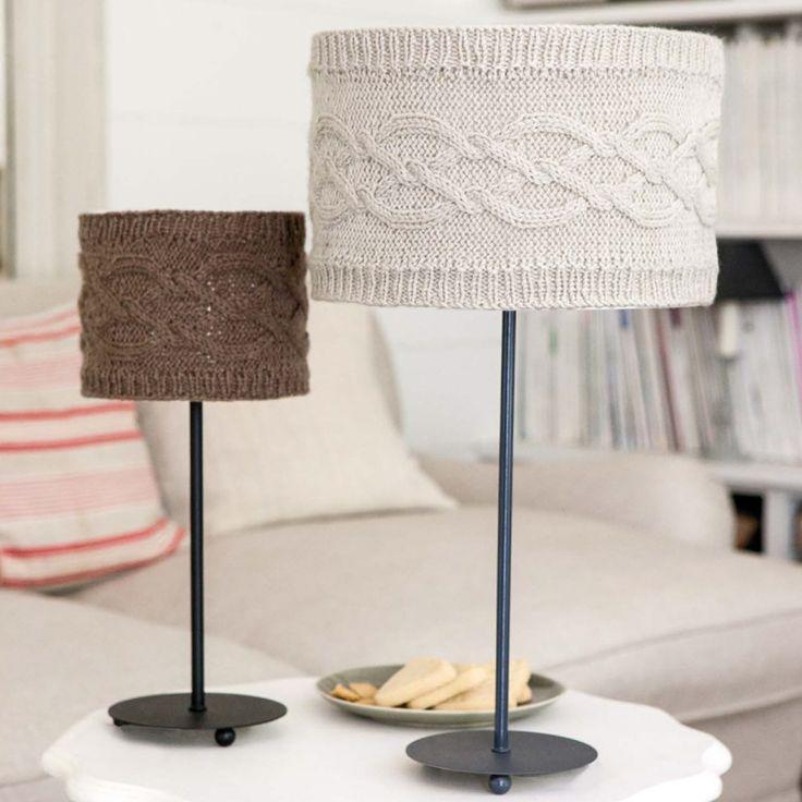 un abat jour en tricot. Black Bedroom Furniture Sets. Home Design Ideas