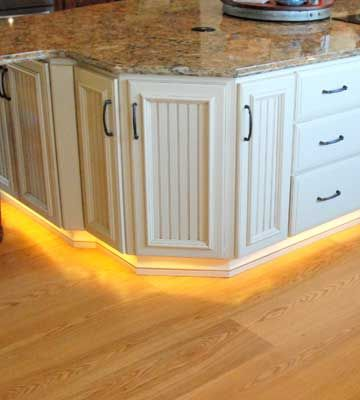 """toe lighting"" under cabinets!!!  Farm Kitchen Remodeling Ideas 