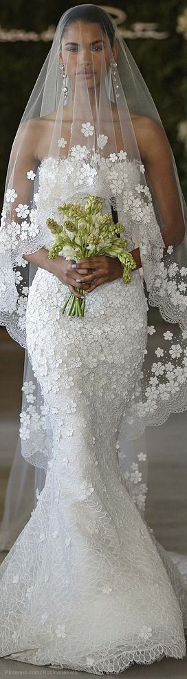 I am in LOVE with this!  Too bad I'm not getting married again.  Oscar de la Renta