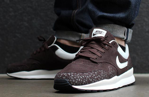 nike-air-safari-monotone-suede-pack-02