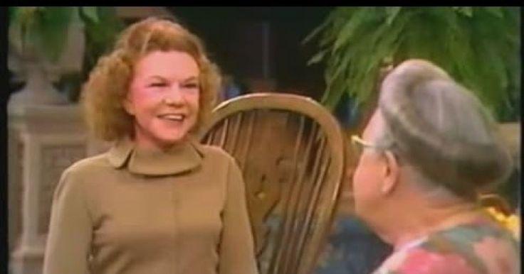 Это интервью Корри Тен Бум с Кэтрин Кульман из цикла передач «Я верю в чудеса» является одним из немногих доступных. Корри Тен Бум помогала спасать евреев