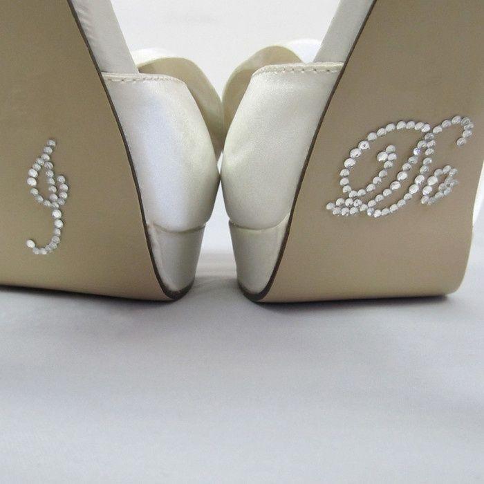 Shoestickers I Do white / Schoenstickers I Do wit / / Shop the most beautiful bridal accessoires at: https://www.weddingdeco.nl/accessoires-bruiloft/bruidsaccessoires/