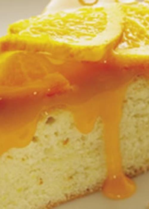 Bolo de claras com creme de laranja