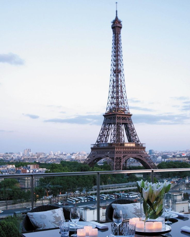 Can't you practically taste the romance on your date with Paris? Tag who you'd be here with at #Shangrilaparis.  #Shangrilahotels  #Shangrila #Paris #dinewithaview #romantic #eiffeltower #cityoflove #lovingit #bucketlist #placetogo #photooftheday