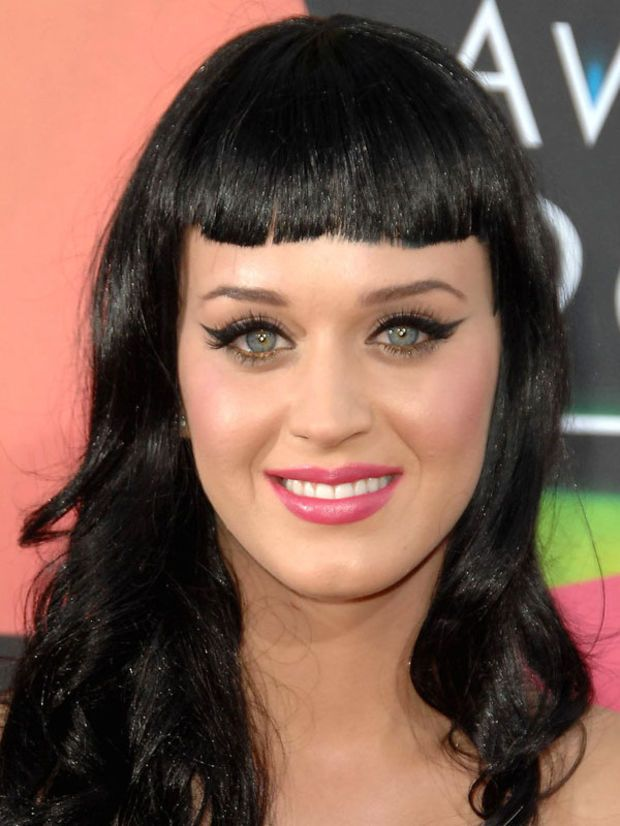Katy Perry oval face bangs