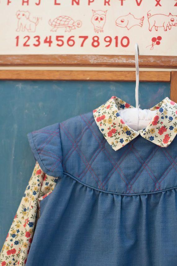 Vintage Girl's Dress 1970's Pinafore Dress par henriettascloset, $18.00