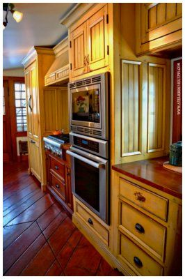 wow!  amazing kitchen!  lots of pics on this link.