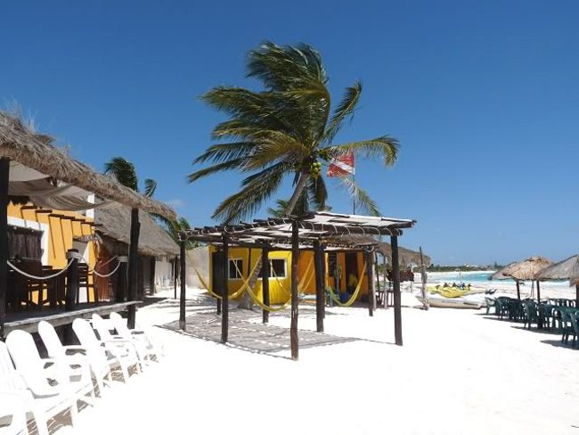This is a little restaurant & bar just south of the Catalonia Royal Tulum...literally a 4 minute walk...