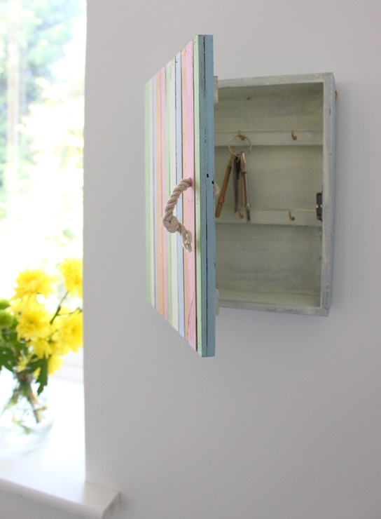 Beach Hut Keybox Coral from Out There Interiors £20