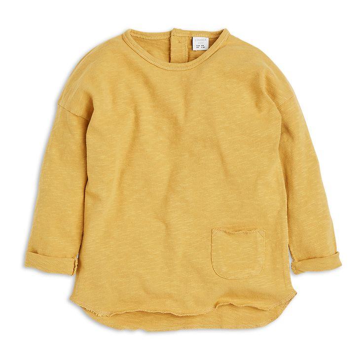 Pohodlné tričko s dlouhým rukávem v dokonalé tmavě žluté barvě.