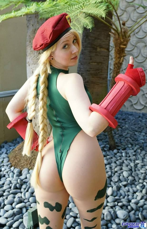 Video game cosplay nude