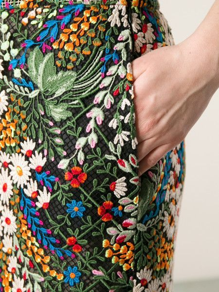 Embroidery by Valentino Crafts Campus - 17 - 21 augustus, Wilhelminaoord. www.craftscouncil.nl