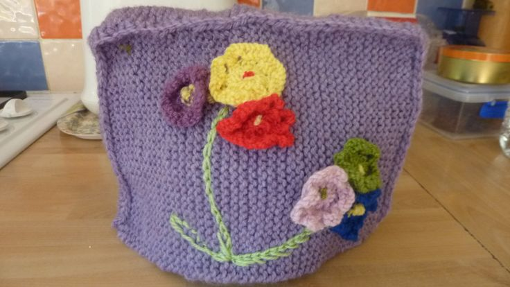 Tea cosy with flower design