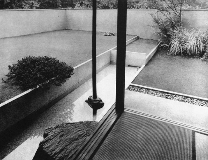 1933 Okada House by Sutemi Horiguchi, photographed (not these ones) by Richard Neutra in the 50s