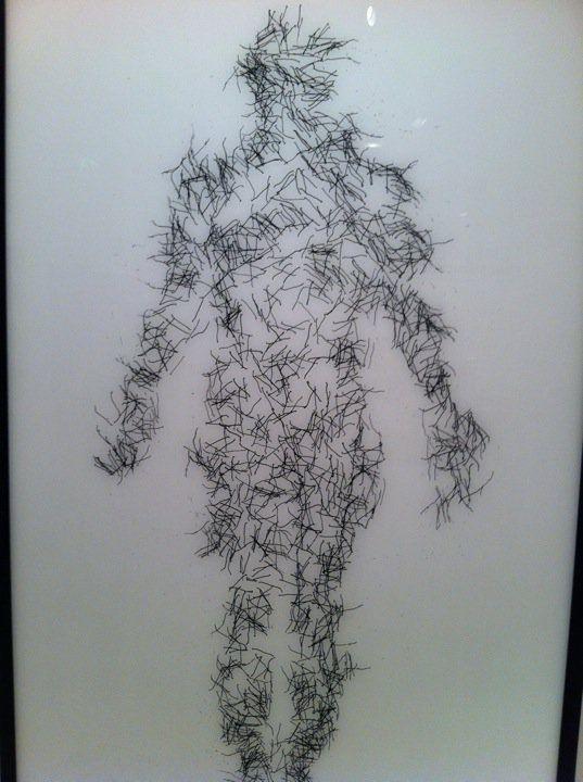 """2011 yılında Pera Müzesi'nde gezdiğim """"Sanat ve Nörobilim"""" Sergisinden. Farklı bir sergiydi. Bir başka eser uzerine uzun sure düşünmüş bir öykümün konusu haline getirmiştim."""