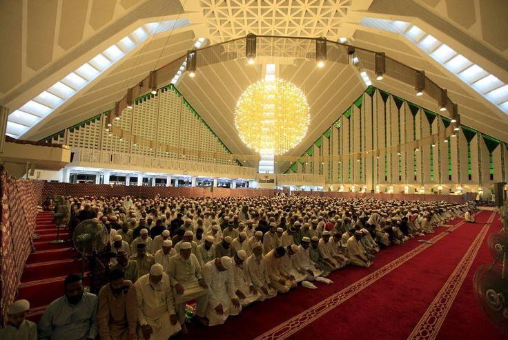 Reka Karya Doors: Beautiful Mosques Around The World