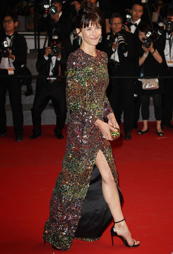Sophie Marceau en robe à sequins au Festival de Cannes 2015. #SophieMarceau #Cannes2015 #robe #tapisrouge