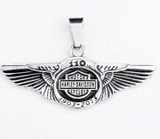 Kalung Liontin Pendant Bandul Pria HD Harley Necklace Stainless Steel  Specifications: Type: 1 Set Pendant  Necklace Style: Unique Fashion Cool Material: stainless steel Color: Silver Stainless Size: Necklace : 50cm Pendant : 50mm x 22mm (approx)  Harga: 184000  Utk Order & Pertanyaan add:  Whatsapp / sms : 0823 1222 3338  Line / Snapchat: manekihoki  Pin : maneki  #manekihoki  #maneki_acc #ootd #musthave #perhiasan #aksesoris #fashion #aksesorispria #kalung