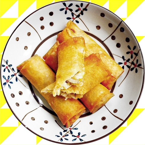 Chinese food 春卷 Spring rolls (Shanghai dish), via Flickr.