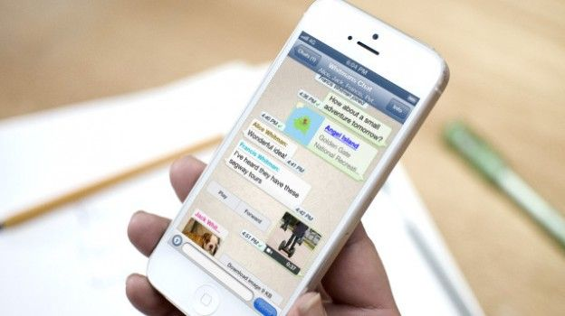 Per gli utenti di iOS, Whatsapp rilascia un aggiornamento della sua celebre app di messaggistica in modo da implementare le Risposte Rapide dall'area notifiche e il pieno supporto al 3D Touch (ma su iOS 9.1 - beta e definitivo)