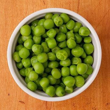 12 Baby and Toddler-Friendly Finger Foods That Don't Come From a Box: Forget the mush and surprise your baby with a new taste and texture by offering whole peas. Green peas can be steamed, boiled, or simply offered frozen. Aside from wonderful nutrition, frozen peas provide relief for teething gums.
