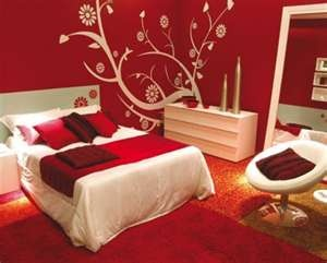 love the red walls and white decore