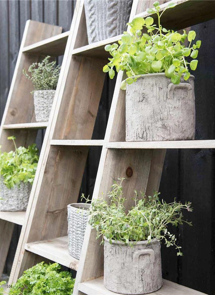 houten rek voor planten - storage for plants - wood - outdoors