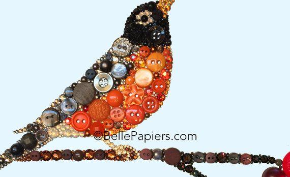 Bouton dArt | Bouton de toile | Bouton photo | Touche les oiseaux | Cristaux de Swarovski | Art de Robin rouge Chaque bouton Art Robin & une branche d'aubépine sont 100 % fait à la main à l'aide de strass en cristal Swarovski véritable & boutons de haute qualité, à la fois neufs et vintage. J'utilise aussi des embellissements divers pour faire de votre pièce sur mesure totalement unique. Mes œuvres d'art de bouton sont incroyablement détaillées, ont des bords nettes et va durer penda...