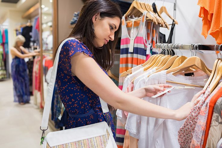 успели ничего человек в магазине примеряет одежду картинки как опытный сотрудник