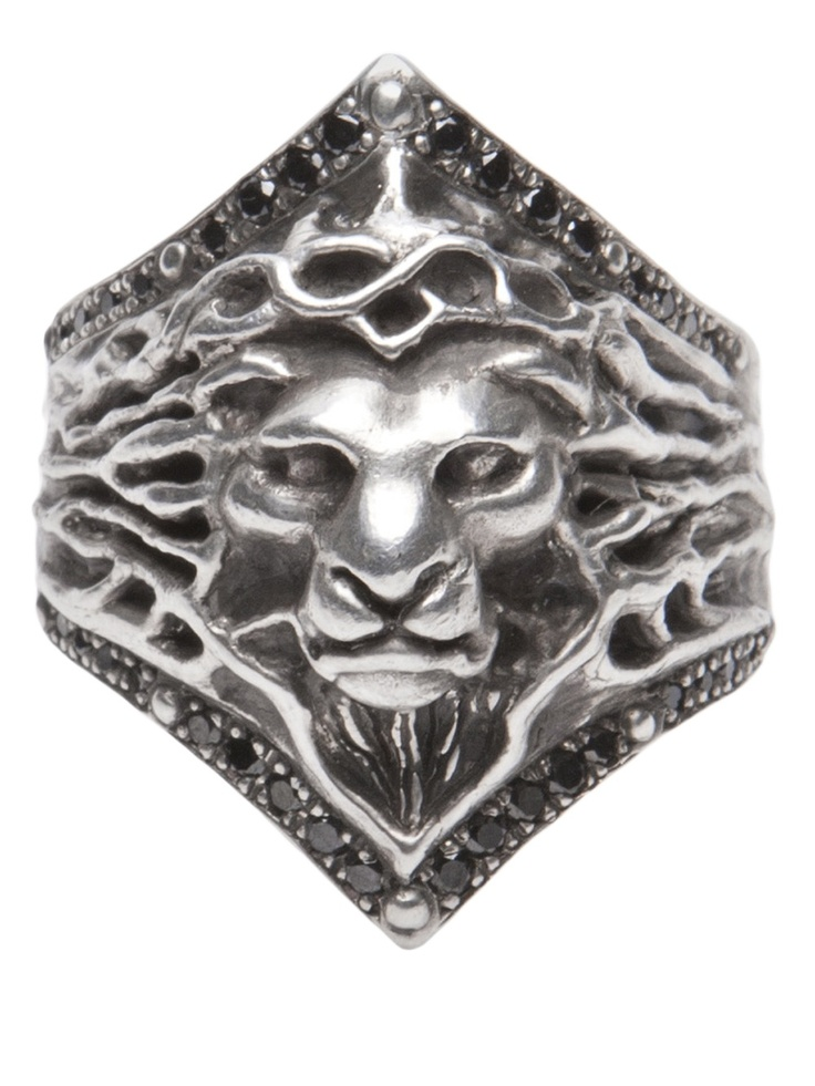 Lion ring from Roman Paul.