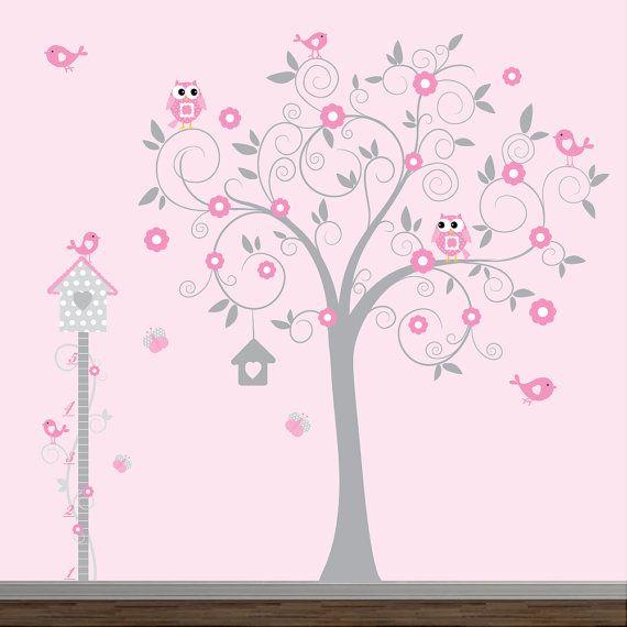 Este anuncio viene con flores de hojas de árbol, pájaros, carta de crecimiento, casa de aves y mariposas.  No se pierda en nuestro SUPER rápido envío, compra libre de riesgo, garantía de regreso de dinero.   TAMAÑO *** árbol de 60 pulgadas ancho 78 pulg alto tabla de crecimiento en 69. en 17.       COLORES ***  No dude en cambiar colores o el tamaño. puede elegir los colores de la imagen COLOR CHART e insertarlos en el campo de Mensaje para el vendedor durante el check-out.   CARACTERÍSTICAS…