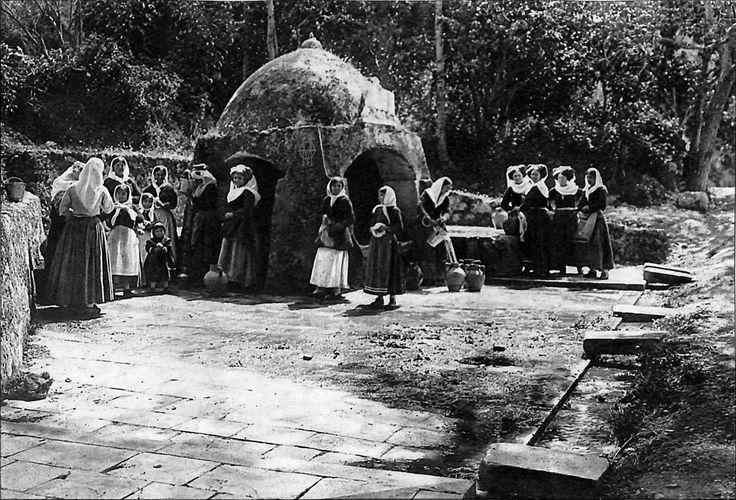 Κέρκυρα, στην Πηγή της Αυτοκράτειρας στο Γαστούρι. 1903, Fred Boissonnas