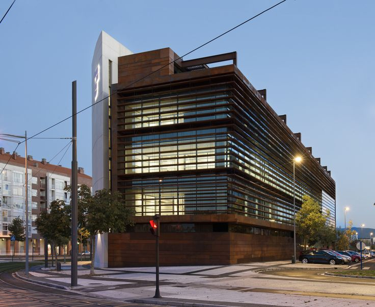 Gallery - Office Building in Vitoria / LH14 Arquitectos - 1