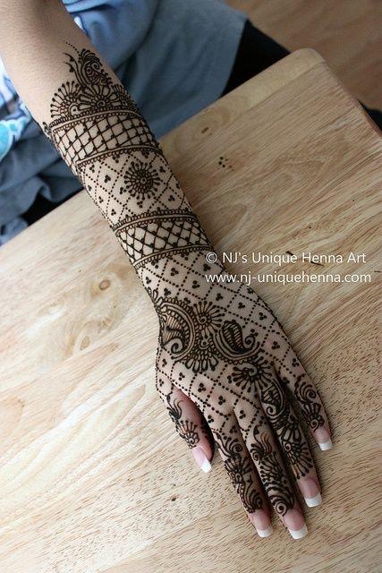 henna lace pattern