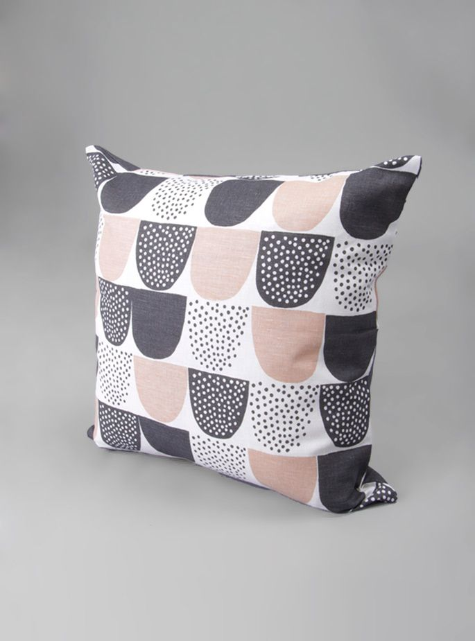 sokeri cushion ++ couverture & the garbstore