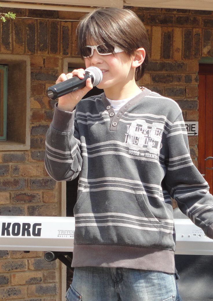 Henno William, singer / songwriter from south Africa, aged 10. #HennoWilliam