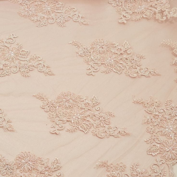 Stofje Exclusieve kant met kraaltjes en pailletten kleur 920 poeder rose