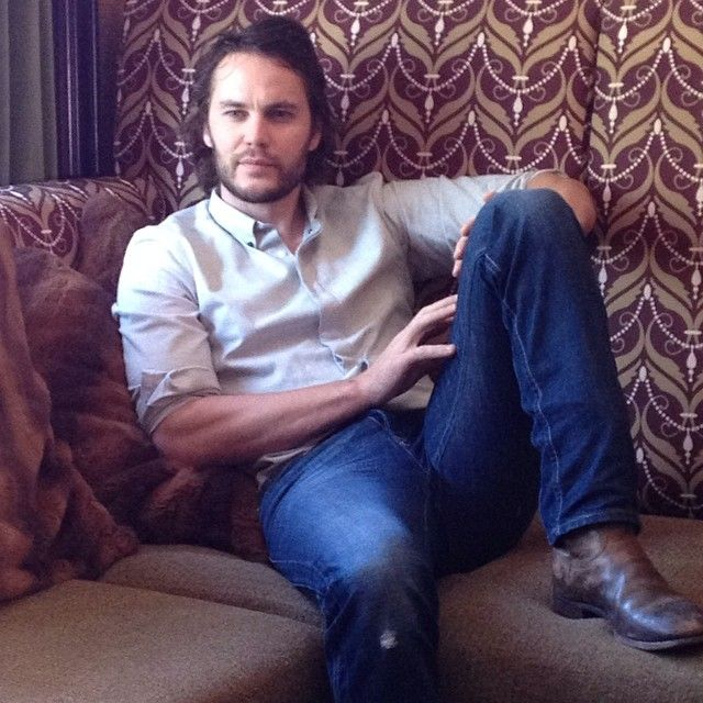 """Taylor Kitsch in """"Savages""""   Taylor kitsch, Guys, Barefoot  Taylor Kitsch Ripped"""