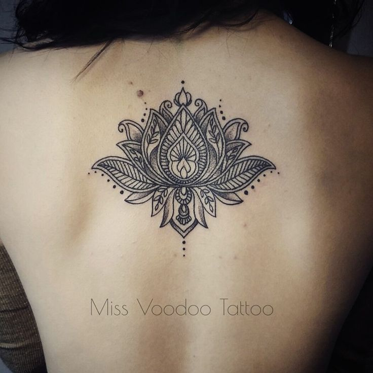 lotus tattoo, on Laura, by Caro Voodoo