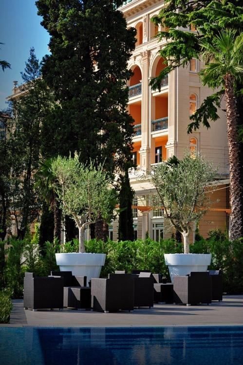 Kempinski Palace Hotel by Landscape